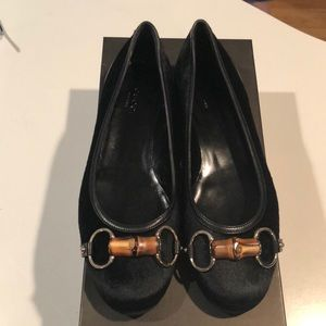 Gucci brand new pony hair bamboo bit flat 7B